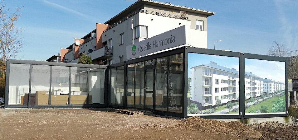 kontenery handlowe - biuro sprzedaży na budowie