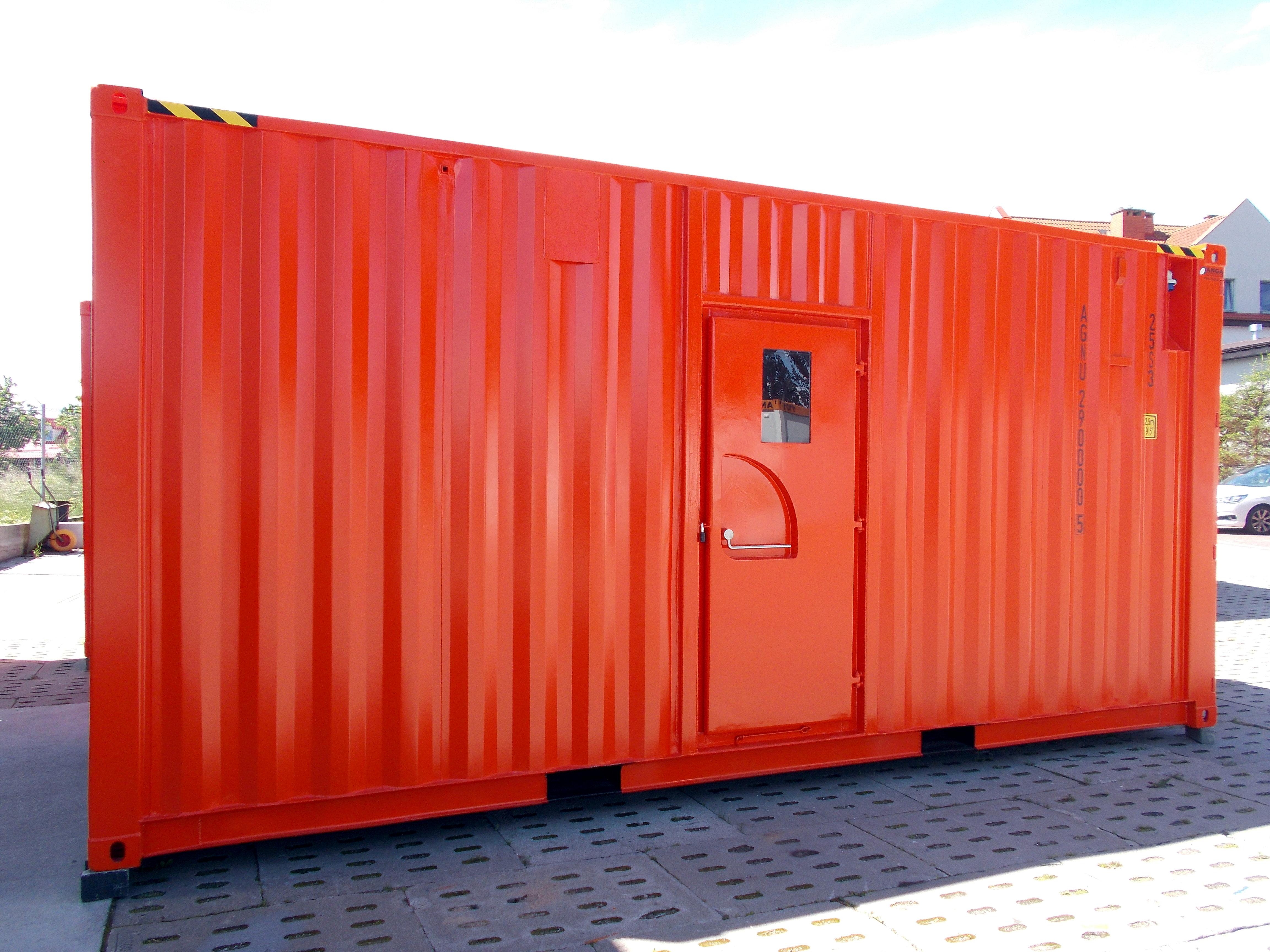 dodatkowe drzwi w kontenerze morskim